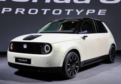السيارة الرياضية الكهربائية لهوندا «هوندا أي» أصبحت متوفرة في الأسواق