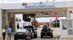 نحو فرض رسوم تتراوح بين 2000 و10 آلاف دينار على كل المركبات عند كل خروج من الجزائر