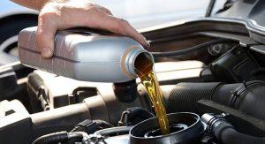 متي يجب تغيير زيت المحرك و ماهي الزيت المناسبة لمحرك سيارتك..؟
